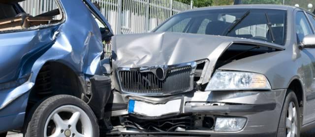 Abogados de Accidentes y Choques de Autos y Carros en Bakersfield Ca.