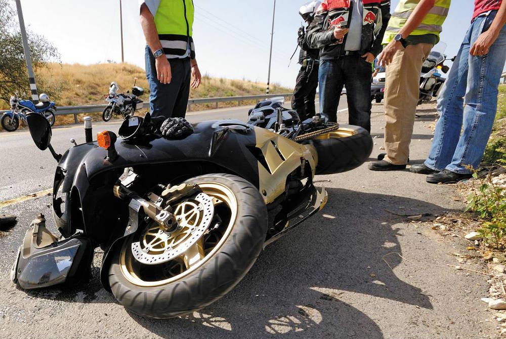 Los Mejores Abogados en Español Para Mayor Compensación en Casos de Accidentes de Moto en Bakersfield California