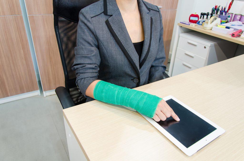 La Mejor Asesoría Legal de Abogados de Accidentes de Trabajo, Demanda de Derechos y Beneficios Cercas de Mí en Bakersfield California