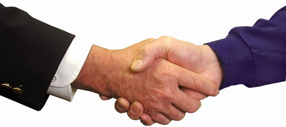 Consulta Gratuita con el Mejor Abogado Especialista en Derecho de Seguros en Bakersfield California
